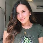 Blogger  Angela  Bernal  - Estudiante.