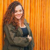 บล็อกเกอร์ Andrea Bernal - Singer.